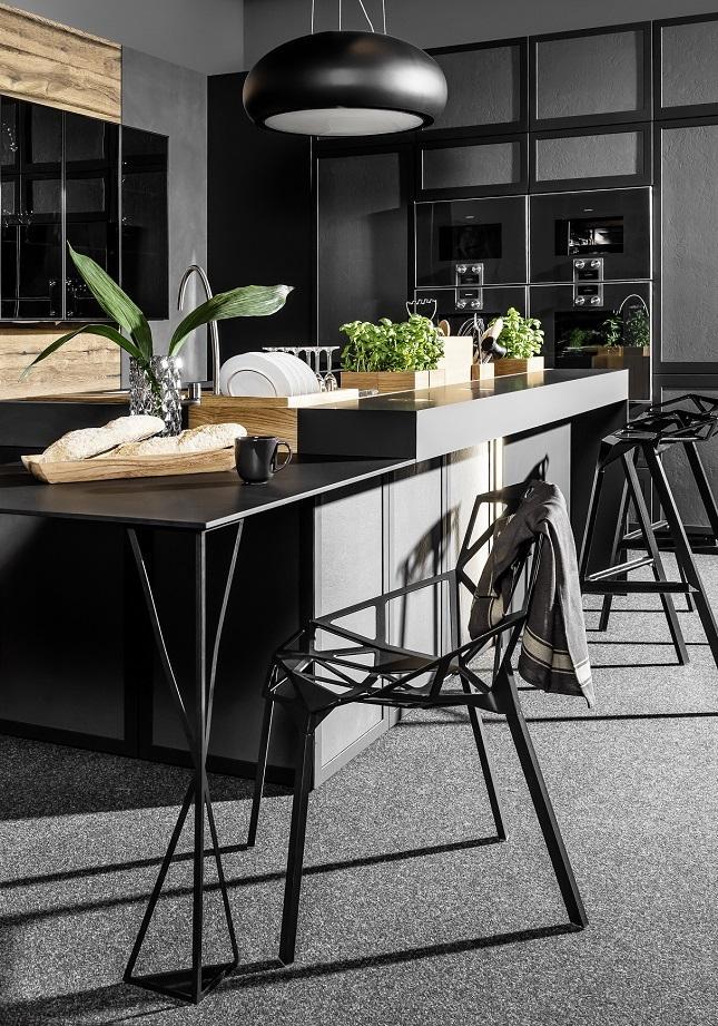 Kuchnia otwarta na salon – jak oddzielić dwa pomieszczenia?